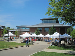 Wesleyan farmers market (Adrian Cooke) Tags: reunion campus student university farmers market weekend connecticut center commencement middletown wesleyan mattabesset usdan