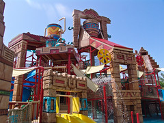 AQUAVENTURE (Swissrock) Tags: beach water dubai uae palm atlantis sliding waterpark waterslides vae rutschen aqualand aquaventure wasserspiele wasserpark kw23 onceeins