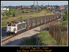 Con un buen sabor de boca (Powell 333) Tags: madrid españa by train canon tren trenes eos spain pass railway trains cargo via 7d powell medina railways japonesa freight mitsubishi 018 bypass vía unica única ferrocarril renfe bobina pantone rozas 251 mercante adif ffcc mercancias bobinas 2425 mercancia mercancía mercancías bobinero mercantes 251018 japonesaymedina electificada