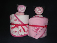 Pinkie Cakes - Towel (Cupcake Kisses) Tags: pink baby cute cakes girl cupcakes soft candy sweet sassy towel flannel babyblanket ultrasoft receivingblanket cupcaketowel bathtowelset washclothtowelset cupcaketowelset