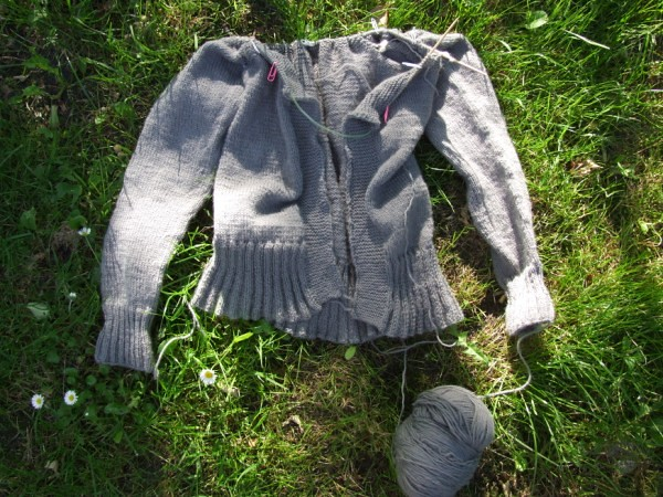the grey cardi in progress