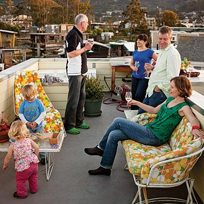 houseboat-deck-0510-l