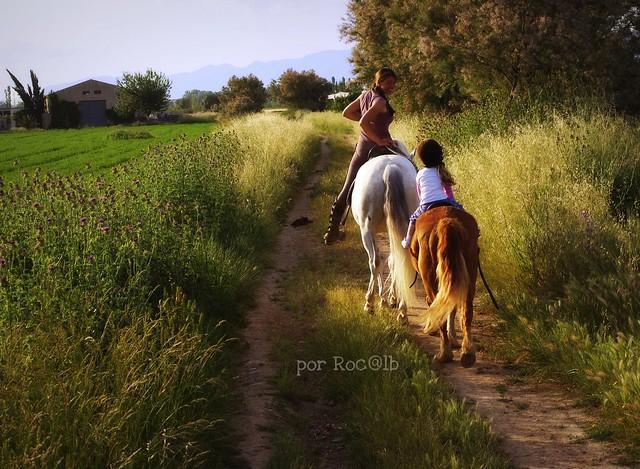 Toda una amazona... 1 hora a caballo