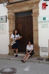 Msica. (AntoniAna.) Tags: door girls espaa music brick ladrillo spain puerta pueblo andalucia score msica espera clarinet clarinete peopleexpect