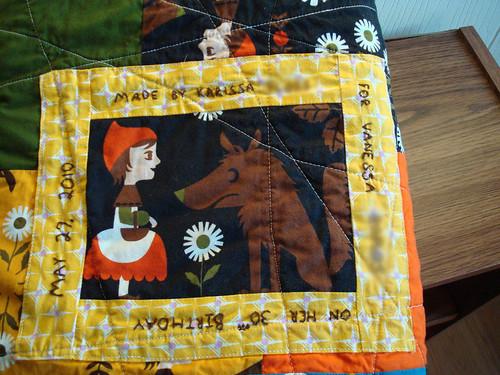 V quilt label