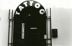 (.MartaR.) Tags: bw tattoo 35mm canon bodypiercing ftb ilfordfp4plus ottobre2010