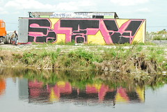 STV (Stalkin The Lines) Tags: art graffiti florida miami dar storage fl spraypaint turnpike crate blockbuster southflorida southbound weve stv speciaizedtovandalize