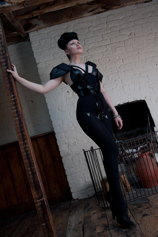 Viktoria Modesta - Upstairs 3