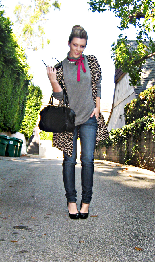 LA style+street style+leopard dress coat over jeans and a sweater+sharp