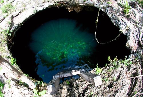 Cenote Calavera 01