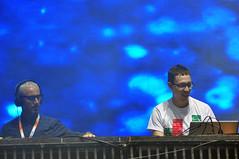 Above & Beyond (Yahoo! Msica) Tags: show november brazil music festival brasil digital yahoo nikon do dj sopaulo agosto jockey musica fotografia ultra novembro chacara 2010 eletrnica eletronic umf ultramusicfestival d90 abovebeyond yahoomusica yamaggio fabioyamaji