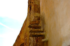 scala esterna (kikkedikikka) Tags: light sky history staircase cielo memory scala sicily luce sicilia memoria external erice trapani storia esterna rgspaesaggio rgscastelli rgsnatura rgsscorci