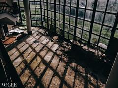 6d8ea0c0-5c12-11e7-bd9d-bfb55cac1981_gallery (蔡同咨) Tags: vogue photovogue 廢墟 ruins 廃墟 台湾 taiwan light shadow ライト 光 廢棄 荒蕪 abandoned barren