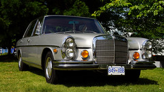 W108 in silver (Eric Flexyourhead (catching up)) Tags: northvancouver canada britishcolumbia bc waterfrontpark 2017 germancarfestival car german mercedesbenz w108 vintage classic old silver 169 sonyalphaa7 zeisssonnartfe55mmf18za zeiss 55mmf18