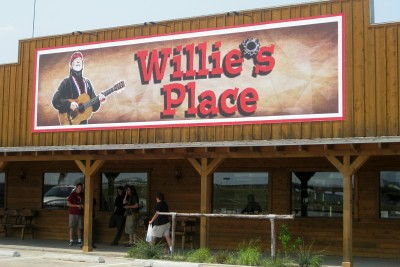 Willie's Place at Carl's Corner entrance