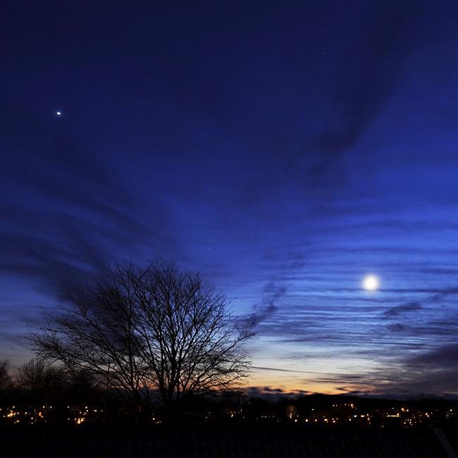 blå månkväll