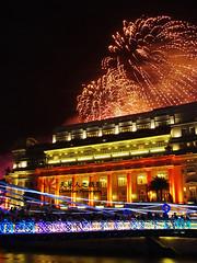 Fireworks Countdown to 2010 @ Fullerton Hotel (snowycottage) Tags: singapore fireworks countdown fullerton fullertonhotel singaporefireworks countdown2010 singapore2010 countdown2009 singaporecountdown fullertonhotelfireworks countdownfireworks marinacountdown fullertoncountdown
