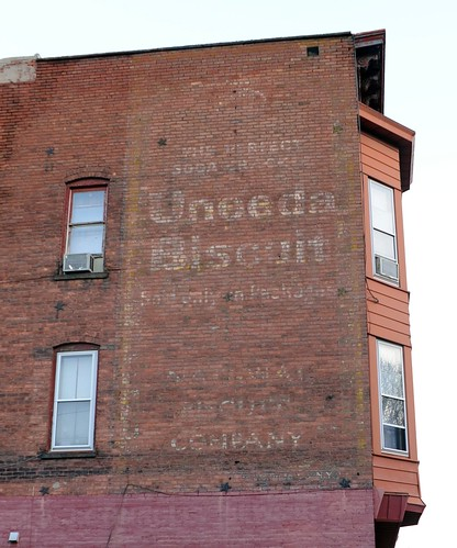 Uneeda Biscuit advertisement, 4th and Harrison, Troy.  Photo by Chuck Miller.