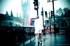Woman in White (jev) Tags: street leica red england woman white london westminster shoot streetphotography rangefinder noctilux custom asph dominantcolor dominantcolour leicam9 noctiluxm50mmf095asph