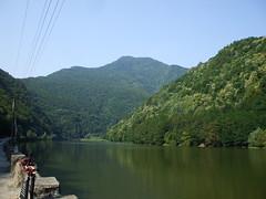 Valea Oltului (Adry_12) Tags: blue trees sky mountains green nature water river landscape romania olt valeaoltului