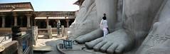 Sravanabelgola 7 (India.Stretched) Tags: india karnataka monolith jain pilgrimage bahubali sravanabelgola vidhyagiri