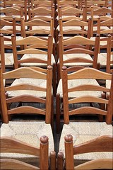 chairs6 (loop_oh) Tags: holland haarlem netherlands dutch chair chairs nederland kirche row rows nl nederlands kerk stuhl kloster sthle oranje niederlande stuehle reihe reihen janskerk