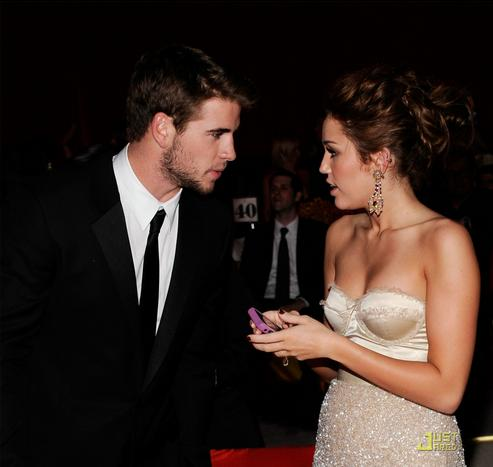 liam-hemsworth-arabian-nights-05