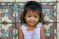 Homeless child (RURO photography) Tags: poverty voyage travel tourism canon fun photography asia alone asahi photos homeless poor streetlife reis tourist orphan orphans barefoot asie lonelyplanet pinay streetkids favela journalism pinoy slum filipinas slums nationalgeographic alleen streetkid philippinen reizen discoverychannel azi sloppenwijken scalzi livingonthestreet armoede descalzas filippijnen dakloos tondo filippine journalisme piedsnus supershot bidonville straatleven kartpostal piedinudi sloppenwijk straatkinderen enstantane weeskind anawesomeshot descalas voyageursdumonde straatkind journalistchronicles globalbackpackers manillaphilippines discoveryphoto  discoveryexpeditions rudiroels straatarm inspiredelite   filipsoyggjar kidslivingonthestreet tondomanilla