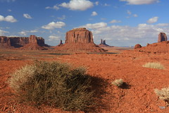 Monument Valley (doveoggi) Tags: landscape utah monumentvalley the4elements