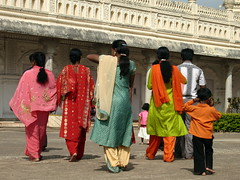 Visit to the mosque (daubril) Tags: srirangapatnam gumbaz