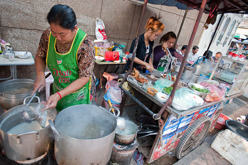 Dishing up khao piak, Vientiane, Laos