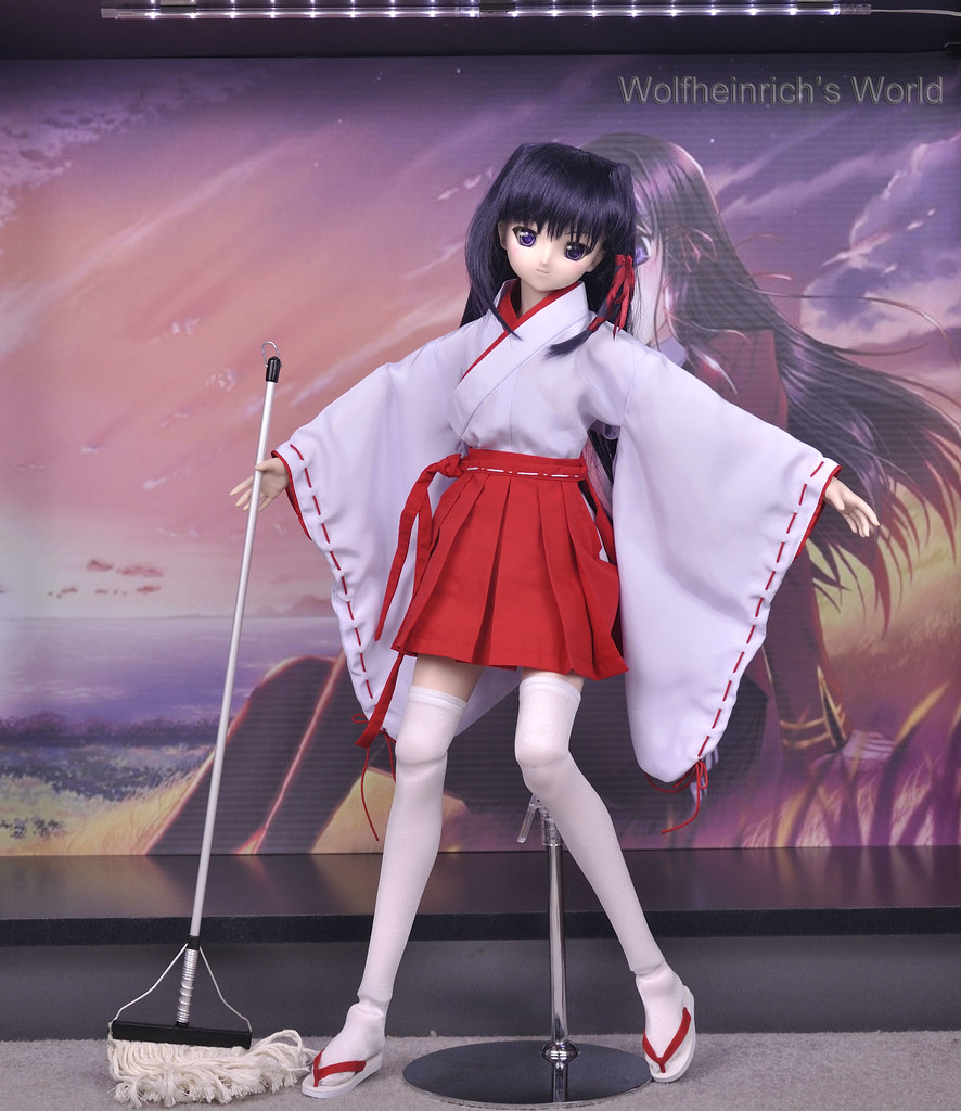 Dollfie Dream Kiriha 紅瀬桐葉 Miko Dress