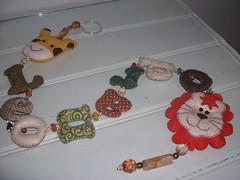 mais de Perto,Pingente de cortina LEONARDO (*Sonhos e Retalhos Ateli*) Tags: beb feltro patchwork decorao letras tecido bordado costura pingentecortina