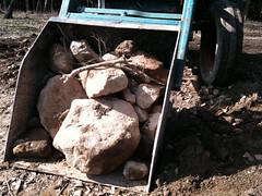 Vrtecken (AndersOlofsson) Tags: traktor sten vr