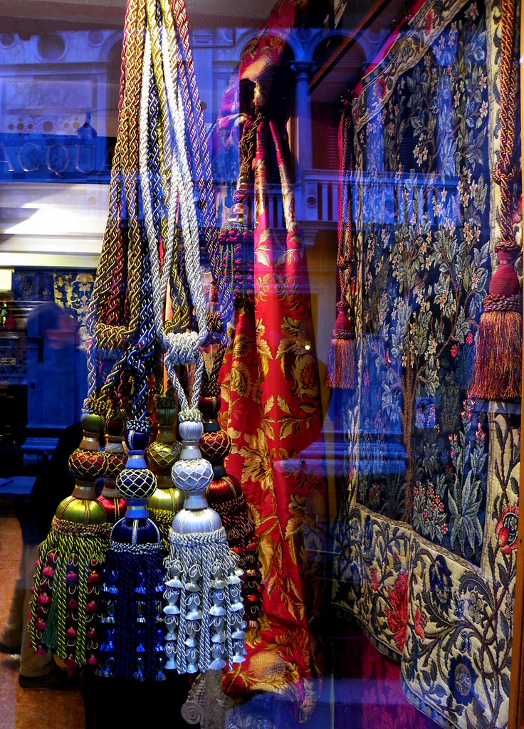 Window Shopping In Venice (Textiles)