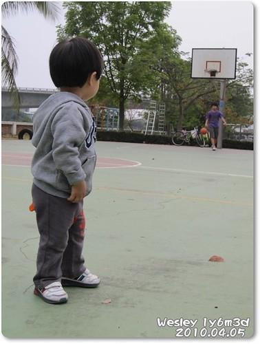 100405-籃球場上的對決