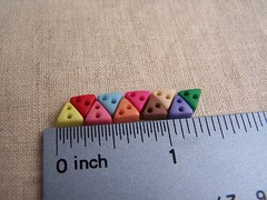 5mm mini triangle buttons