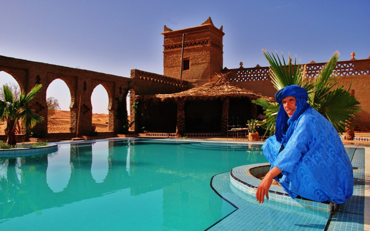 piscina do Auberge du Sud - Merzouga Hotel, Deserto Saara Marrocos