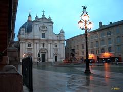 LORETO (AN) - BASILICA DELLA S. CASA (peppino42) Tags: italia basilica cupola pioggia fontana loreto marche ancona crepuscolo preghiera maderno santacasa religionecattolica