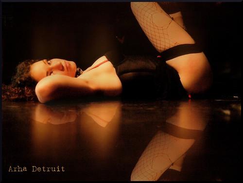 : altair, samm, cadenas, desnudo, pecho, domination, nude, negro, arha, bondage, sumisa, dominacion, blanco, cinturon, reflejos, black, sexy, reflections, tits, bw, white, chains, submissive, espejo, breast, nipple, ilusion, sex, sandra, detruit, sensual