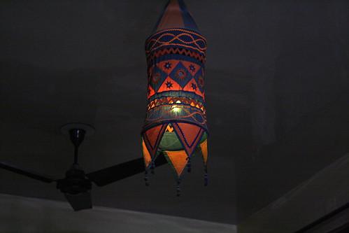 インドホームステイの部屋の照明