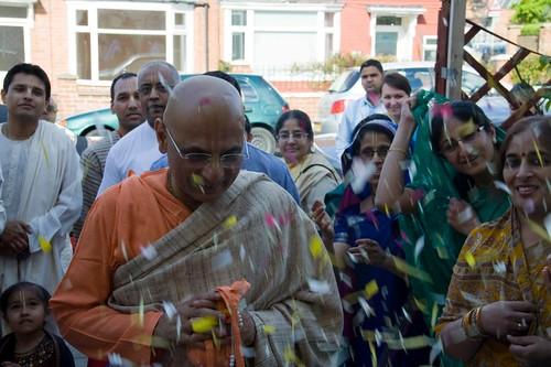 H H Bhakti Caru Swami 2010 - 0012 por ISKCON desire tree.