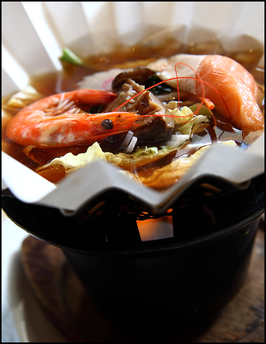 paper-steamboat-seafood