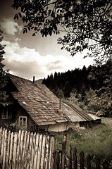 Cottage (valentin dontov) Tags: wood house mountain casa nikon country hut romania tamron moldova durau moldavia bicaz d300 neamt bistrita ceahlau lemn izvorul bordei muntelui coliba 1750f28vc