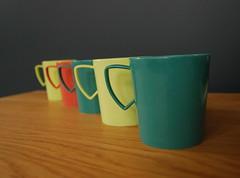 Gothamware cups (Peacock Modern) Tags: vintage cups etsy peacockmodern gothamware