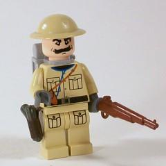 Weird War II British Infantryman (*Nobodycares*) Tags: soldier weird war lego wwii worldwarii ii ww2 guns british uas infantryman brickarms mmcb