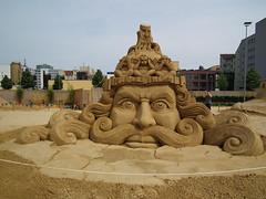34409 Sandsation 2010 (golli43) Tags: berlin festival championship sand artists meisterschaft sandskulpturen spreeufer o2world sandkunstwerk sandcarver fujifinepixhs10 sandsation2010