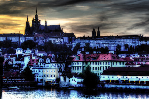 River Moldava at sunset. Prague. El río Moldava al atardecer. Praga.