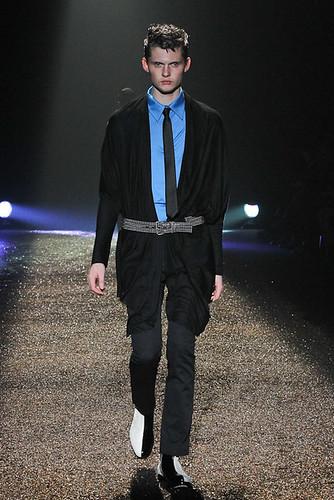 SS11_Tokyo_@IZREEL016_Matteo Haitzmann(Fashionsnap)