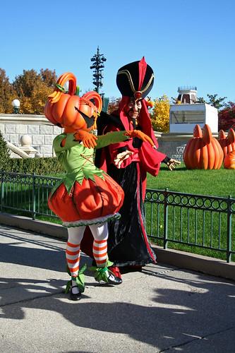 Pumpkin Girl and Jafar